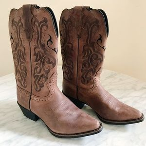 NWOB Justin Mustang McKayla Oiled Boots